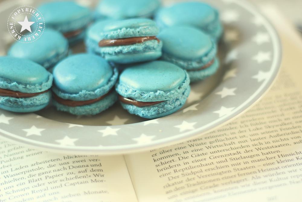 Macarons-Teller-Buch