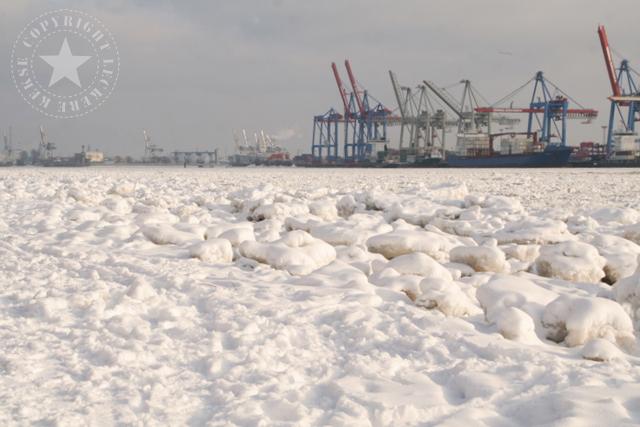 Elbe Hamburg gefroren Eis Leckerekekse