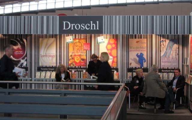 droschl_messestand