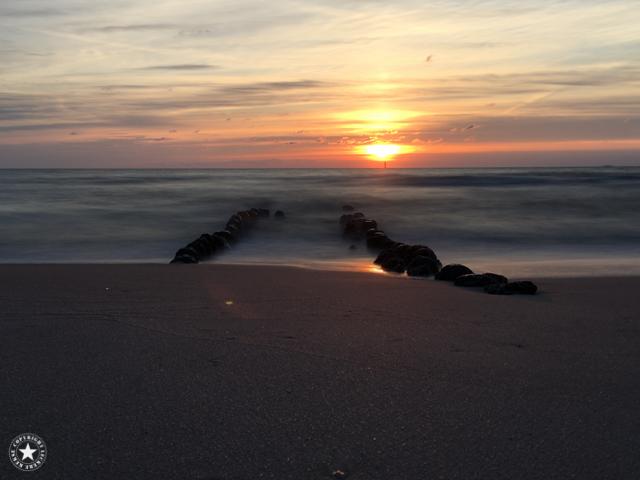 Fotoapp: Sonnenuntergang am Meer mit Langzeitbelichtung
