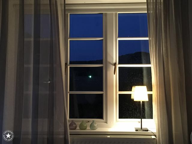 Und dann steht einer auf und öffnet das Fenster