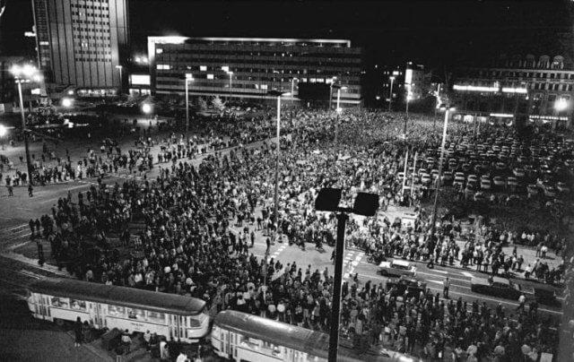 Die Berliner Mauer, Artikel zum Gedenktag des Mauerfalls, Interview mit Kathrin Wildenberger, Fotos ist aus dem Bundesarchiv