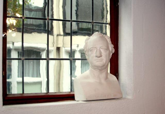 Goethe Büste in der Buchhandlung Bernstein/Remmel