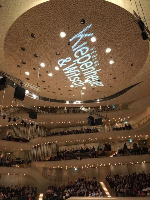 Der Kiwi-Verlag in der Elbphilharmonie