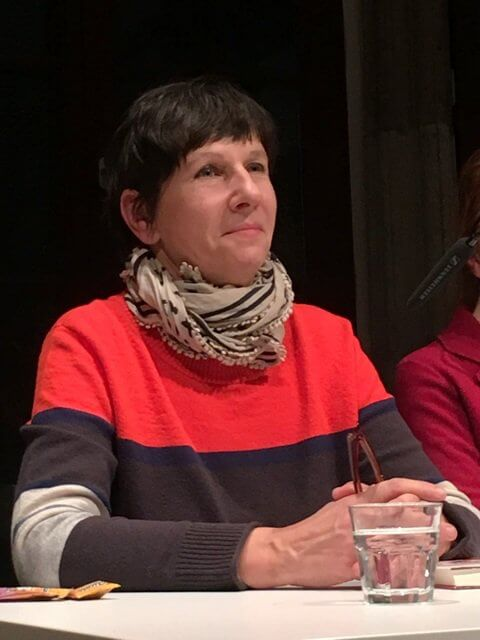 Angelkia KLuessendorf liest aus Jahre später