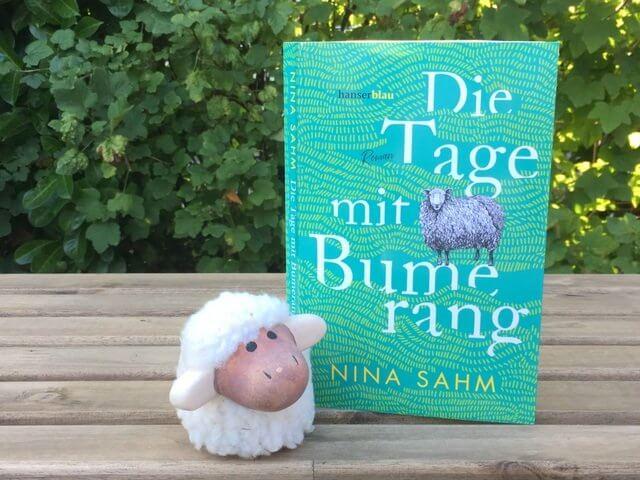 Nina Sahm: Die Tage mit Bumerang, hanserblau, Rezension