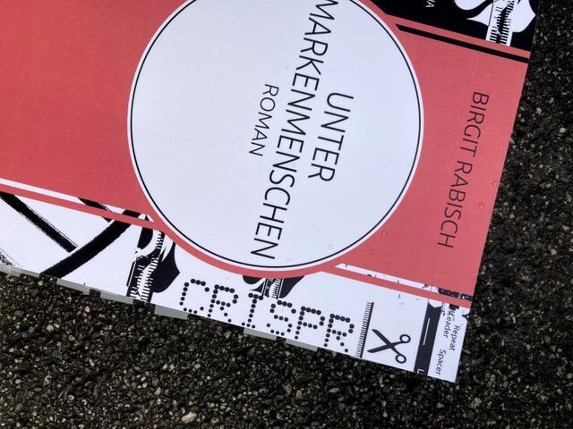 Birgit Rabisch: Unter Markenmenschen, duotincta Verlag, Rezension