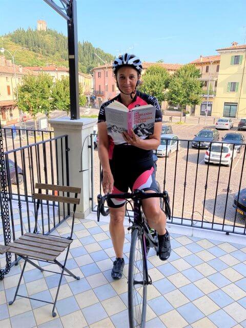 Silvia auf Fahrrad lesend, Die Rebellion der Alfonsina Strada